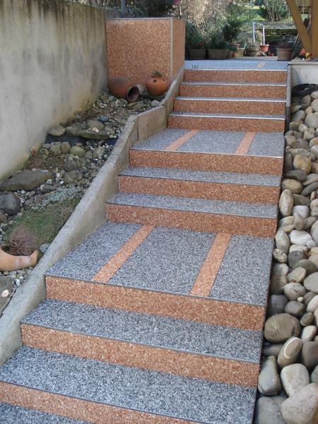 Treppen steindesign kieselbeschichtung steinteppich - Faire un escalier en parpaing ...